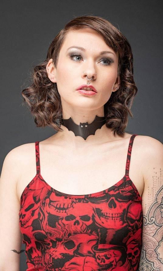 Queen of Darkness Halsband Bat