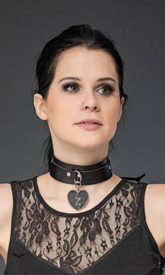 Queen of Darkness Halsband Broken Heart