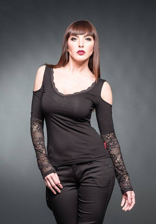 Queen of Darkness Longsleeve Lace Sleeves
